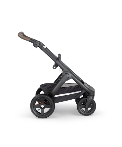 stokke-trailz-black-chassis-with-terrain-wheelsbrown-leatherette-handle